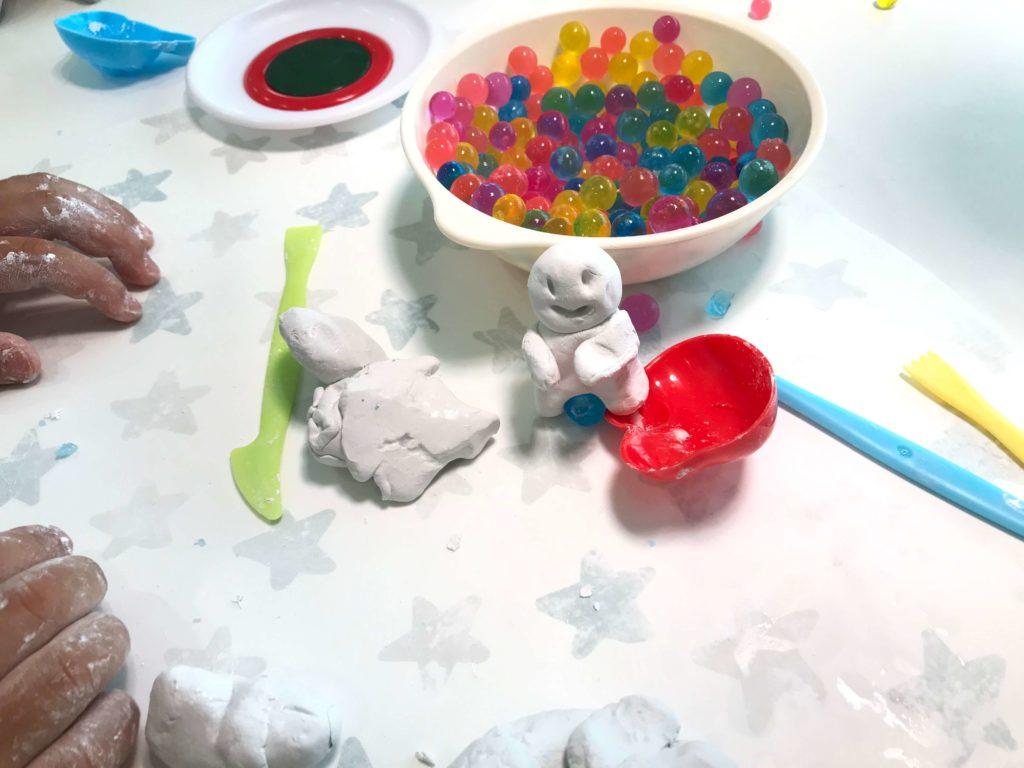 粘土で工作(3歳と家で遊ぶ)